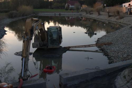 revitalizace rybníku v Honezovicích 2009 - 2010